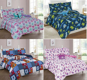 Boys & Girls Twin / Full Bed-in-a-Bag Comforter Set