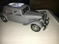 Citroen 15cv TA 193, Black Burago 1/24 Scale Diecast Model