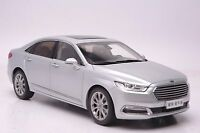 2015 Ford Taurus car model in scale 1:18 Silver