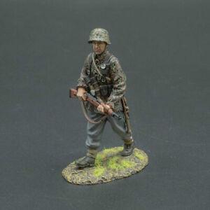 THOMAS GUNN WW-2 SS105 German Grenadier Walking MIB