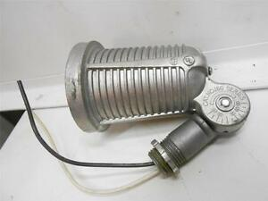 DAYTON  2V622 INDUSTRIAL OUTDOOR  SPOT LIGHT LAMPHOLDER  *SHELF WEAR*