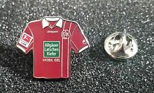 1 FC KAISERSLAUTERN épinglette MAILLOT DE FOOTBALL 2011-2012 extérieur PIN
