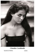 CLAUDIA CARDINALE actress PIN UP PHOTO postcard - Film Star 2000 Mint