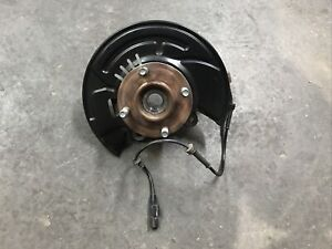 2014-2019 NISSAN VERSA NOTE FRONT Right RH SIDE SPINDLE KNUCKLE HUB OEM
