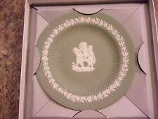 "Vintage Wedgwood Jasper Sage Green fluted 6-7/8"" plate in original box - Lotla"