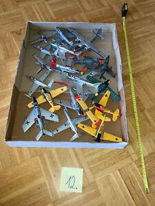 Konvolut 12: Bausätze gebaut Flugzeuge Militär, 2. WK 1:72/ 1:35/ 1:48 DIORAMA
