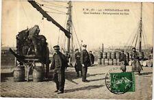 CPA Boulogne sur Mer-Quai Gambetta-Embarquement des filets (268185)