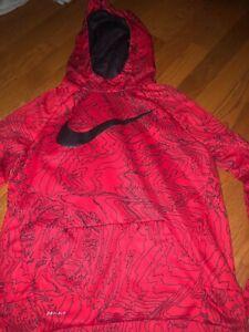 Boy's Nike Pullover Sweatshirt, Size Youth XL, EUC