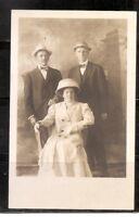 USA. Family Portrait.  vintage Photo postcard.
