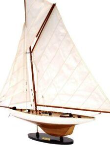 MAQUETTE DE BATEAU - VOILIER EN BOIS - COLUMBIA - 1899 longueur : 62 cm