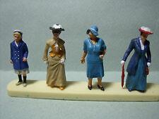 4  FIGURINES  SET 58  BOURGEOISES  LADIES   VROOM  1/43  UNPAINTED  NO  SPARK