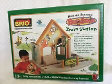 New Retired Brio Richard Scarry Busy Town Train Station 32531 railway
