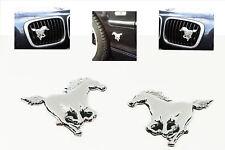 NEU 2x Aufkleber Pferde Pferd Chrom KFZ Emblem AUTO Tuning