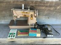 *Vintage SINGER SEWING MACHINE Model 328K Style O Matic w manual & attachments