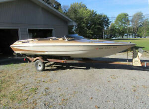 1979 Glastron Carlson CVX-18 Fast Speed Boat - Almost Like New