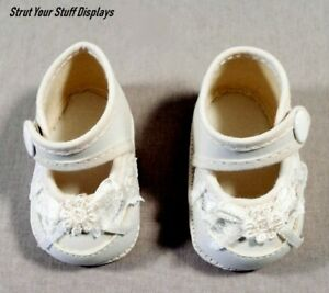 """1 pair FANCY BABY SHOES ~ WHITE. Size 5. NEW. Fit 17""""-18"""" tall dolls. PRETTY !!!"""