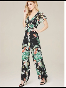 NEW WITH TAGS BEBE ADELYN RAE Flower Print Tropical Flutter Sleeve Jumpsuit - M