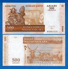 Madagascar P-88 500 Ariary Year 2004 Uncirculated Banknote New Signature
