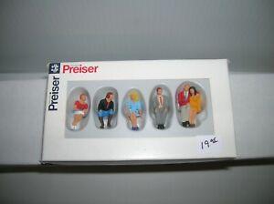 "PREISER 65306 ""  O SCALE SEATED FIGURES   "" LOT # 20487"
