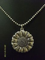 Quirky Daisy Chain Antique Silvertone  Pendant Necklace Cute 1980s Vintage Style