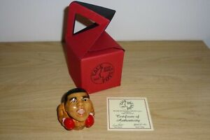 MUHAMMAD ALI CASSIUS CLAY FACE POT BY KEVIN FRANCIS BOXED.