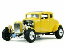 Ford Coupe Hot Rod 1932 Rot mit Flammen 1//18 Motormax Modell Auto mit oder ohn..