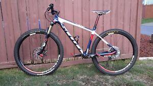 Scott Scale710 CARBON 22lbs, BIKE Medium. 27.5 wheels. 1x11speed. Fox120mm