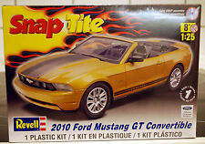 2010 Ford Mustang GT Cabrio, 1:25, Revell USA 1963