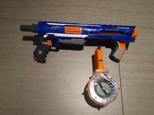 NERF Rampage Elite Strike mit Trommelmagazin & 25 Darts Spielzeug Waffe Gun