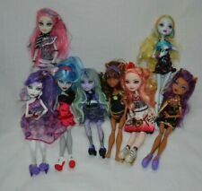 Lot of 8 Monster High Dolls Lagoona Clawdean Wolf Spectra Rochelle Goyle Ghoulia