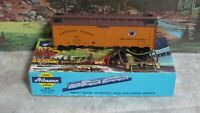 Athearn # 5028 Northern Pacific 40 ft. Reefer car 1/87 HO  Built w/ KD's NIB