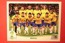Panini BRASIL 2014 N. 33 TEAM BRAZIL WITH BLACK BACK TOPMINT!!