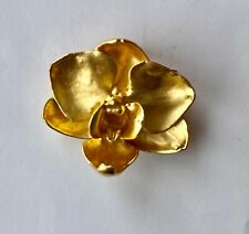 Or Pendant : 40 mm x 33 mm Gold Plated Orchid Bloom From Singapore : A Brooch