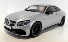 Voitures, camions et fourgons miniatures GTspirit pour Mercedes