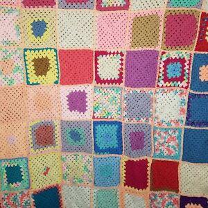 Vintage Croché Afgano Abuela Hecho a Mano Manta Abuela Patchwork Cuadrados 67x91