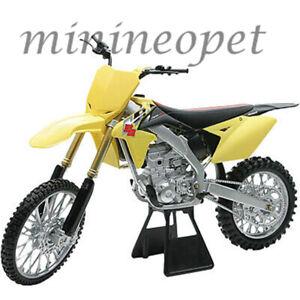 NEW RAY 49473 2014 SUZUKI RM-Z450 DIRT BIKE MOTORCYCLE 1/6 YELLOW
