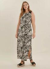 Evans Monochrome Leaf Print  Maxi  Dress - BNWT - Plus Size 26/28