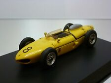 SCALE RACING CARS FERRARI 156  F1 65 1961 - SHARKNOSE 1:43 - VERY GOOD on BASE