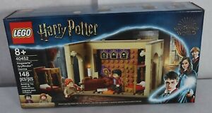 LEGO 40452 Harry Potter Hogwarts Gryffindor Dorms 148pcs New In Hand