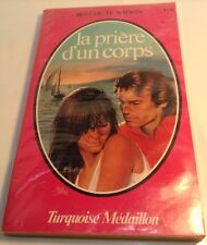 Book in French LA PRIERE D'UN CORPS Livre en Francais TURQUOISE MEDAILLON