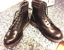 Botas De Cuero Negro Vintage Dr Martens UK 7 EU 41 Acero Dedos de los pies Hecho En Inglaterra