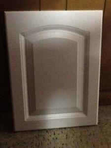 15 7/8 X 19 3/4 KITCHEN CABINET DOOR WHITE CATHEDRAL ARCH VANITY P15 LEFT HAND