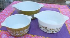 3 VINTAGE PYREX OVEN OR SERVING BOWLS - CRAZY DAISY PATTERN - OLIVE AND WHITE