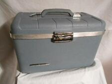 Vintage StarFlite Makeup Travel Train Case with Mirror & Tray Light Blue Luggage
