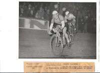 1950  PHOTO PRESSE CYCLISME impanis et sterckx velodrome de bruxelles