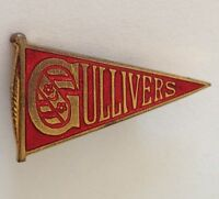 Gullivers Bowling Club Badge Pin Rare Vintage Red Pennant (M17)