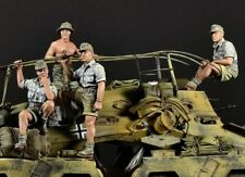 1:35 Resin DAK Sd.Kfz. 263 Crew of 4 (Only Figures) Unpainted Unassembled BL383
