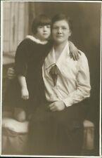 Plymouth. Lady & Young Girl Bob Cut Hair by Drake Studio, 6 Drake St     Ri.287