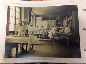 RIPRODUZIONE FOTO ALINARI CROCEROSSINE CURANO GUARDAROBA OSPEDALE 18X24 1939 (5)