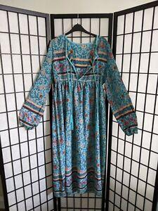 Vintage Blue Floral light Kaftan Dress Boho 70s Vibes Long sleeve